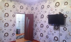 2-х  переделанная в 3-х комнатная квартира на Зарафшон 2